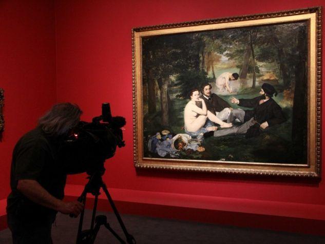 """""""Le déjeuner sur l'herbe"""" au musée d'Orsay (Sipa)https://bibliobs.nouvelobs.com/essais/20131226.OBS0737/manet-bourdieu-s-emmele-les-pinceaux.html"""