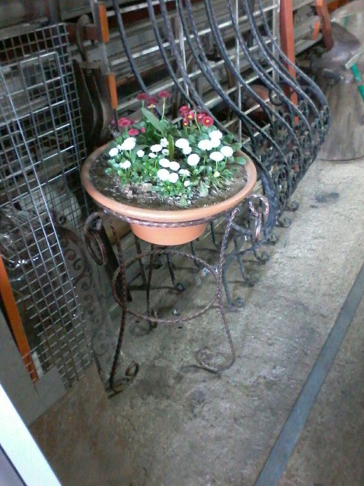 Ufuk koç imalatı çiçek saksılıgı