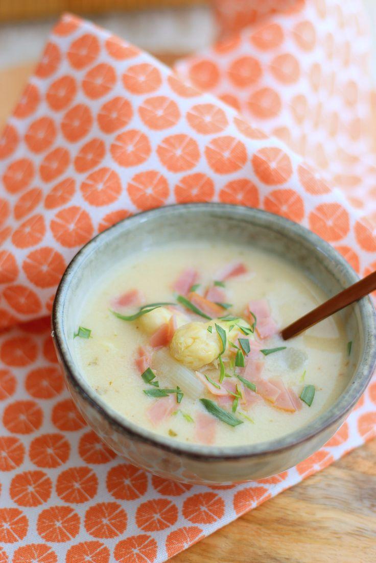 Romige aspergesoep - Francesca Kookt  Heerlijke soep! Natuurlijk van verse Limburgse asperges. Ik maakte deze soep met glutenvrije bouillon en met glutenvrij meel; een combinatie van Doves Farm plain white flour en boekwijtmeel.