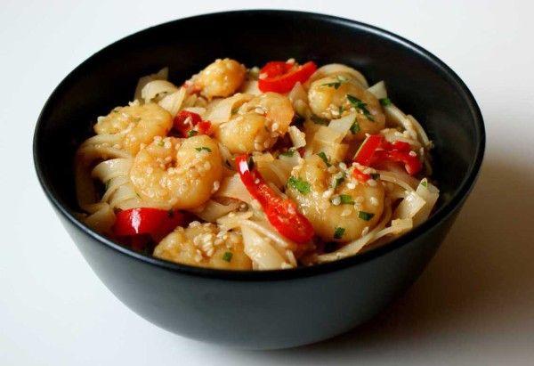 Smażony makaron ryżowy z krewetkami - Kuchenny Majstersztyk
