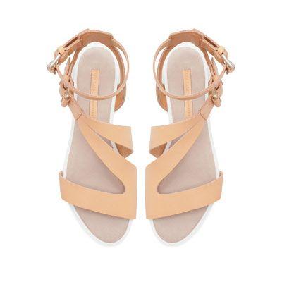 Contrasting Flat Sandals