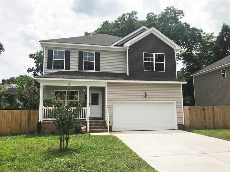 1907 Holladay St Portsmouth VA 23704  Huge 2015 House With 2 Car Garage Central Air!  DESCRIPTION  Newer construction that shows like new construction! 5bd 2.5 baths w/ first floor bedroom! Large kitchen jetted tub in master! Seller just bought but got orders overseas shortly after!  KEY DETAILS  Bedrooms:  5  Full Baths:  2  Half Baths:  1  Square Footage:  2879  Acreage:  0.14  Year Built:  2015  Listing ID #:  10136838  Street Address:  1907 Holladay St  City:  Portsmouth  State:  VA…