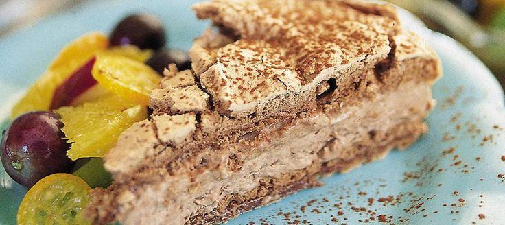 Fryst marängtårta med choklad