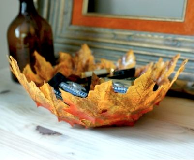 50 best do it yourself crafts with fall leaves images on pinterest cool bowl made from leaves solutioingenieria Image collections