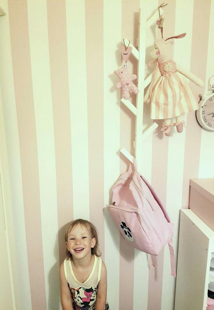 Tree hanger from my girls room. Ikea style. 😍