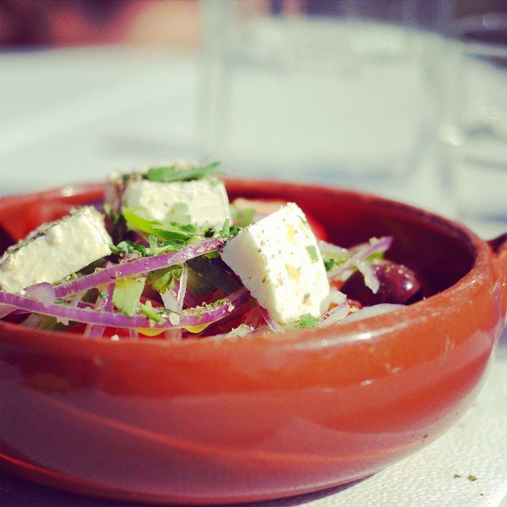 Petrus og Petrine, - en mammablogg: Onsdagsoppskrift: kylling med smak av de greske øyer.