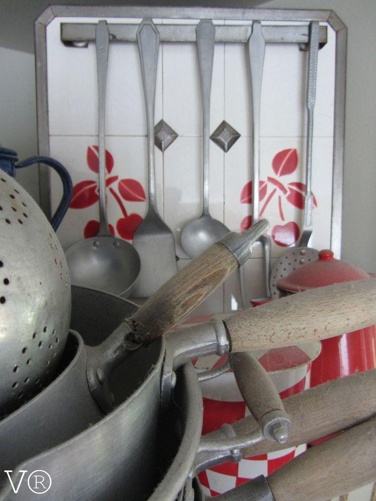 les 140 meilleures images propos de esprit brocante sur pinterest cuisines la fran aise. Black Bedroom Furniture Sets. Home Design Ideas