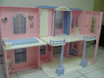 Mattel barbie ken 2001 grand hotel dollhouse for pick up for Hotel barbie