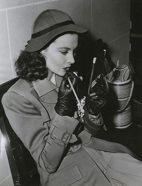 Vivien Leigh - coat and hat!