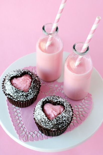 Use a cookie cutter in the top of the cupcake and fill with frosting!  This will be my Valentine dinner dessert!  :) @Mike Tucker N Stacy Darby