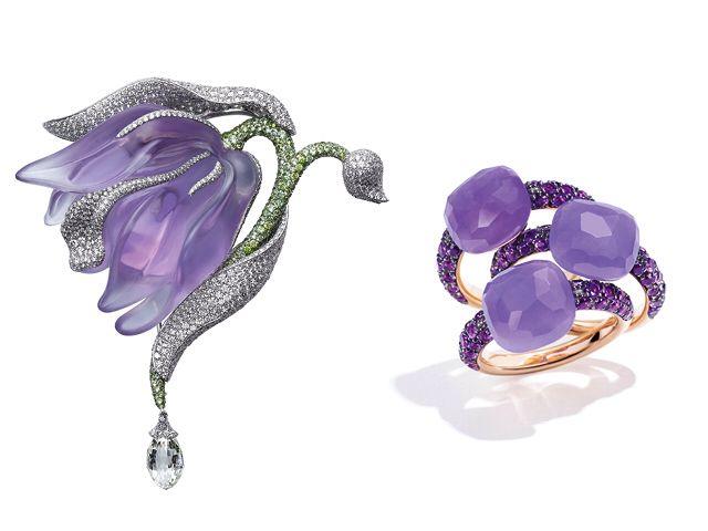 """Spilla in platino, ametista, granati e diamanti, """"Caresse d'Orchidées"""" di Cartier. Anelli """"Capri"""" in oro rosa, giada tinta lavanda e ametista, Pomellato 1.980 €."""