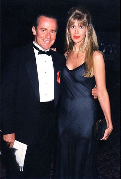 Phil Hartman was violently murdered in bed by his wife Brynn Hartman in Encino, CA, on May 28, 1998.
