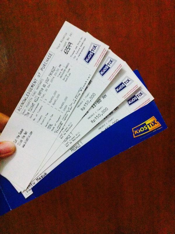 Ayoo Siapa Lagi Yg Belum Beli Tiket #HoliColorFestival2015 Follow Akun Resminya @Holi_ColorFest ^^