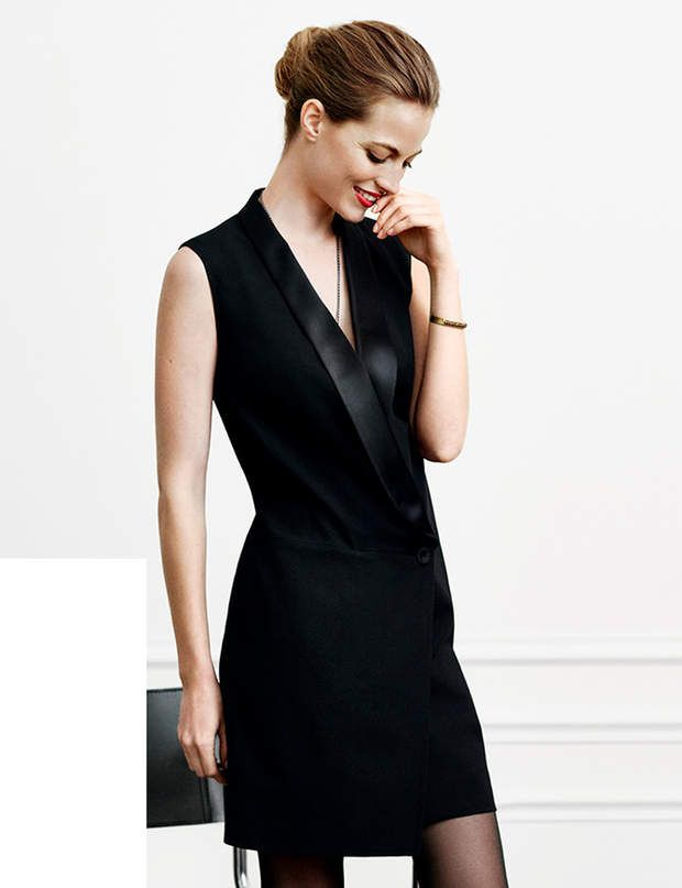 les 25 meilleures id es de la cat gorie robe noire sur pinterest belles robes noires. Black Bedroom Furniture Sets. Home Design Ideas