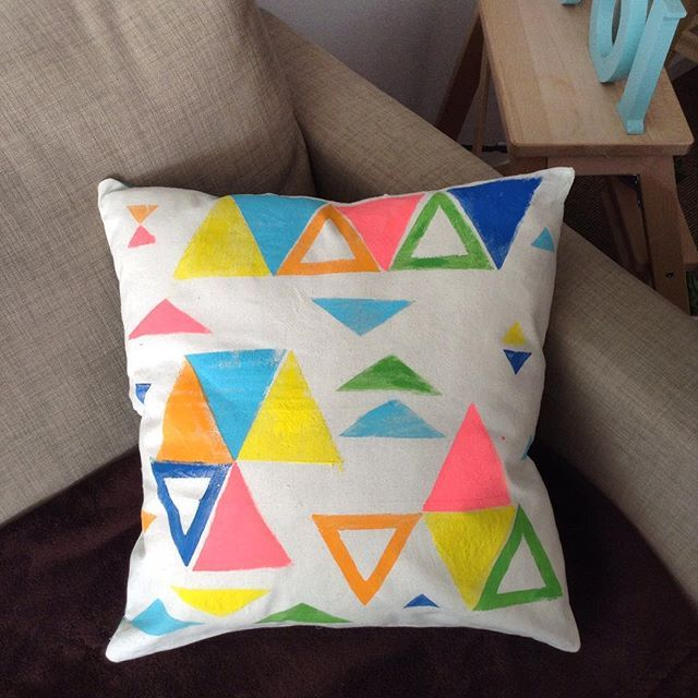 Cushion lovers!! Been working on a custom made order 🔻🔸🔺🔹on which I had a lot of fun, liked the outcome and have decided to include them in my range of homewares products!