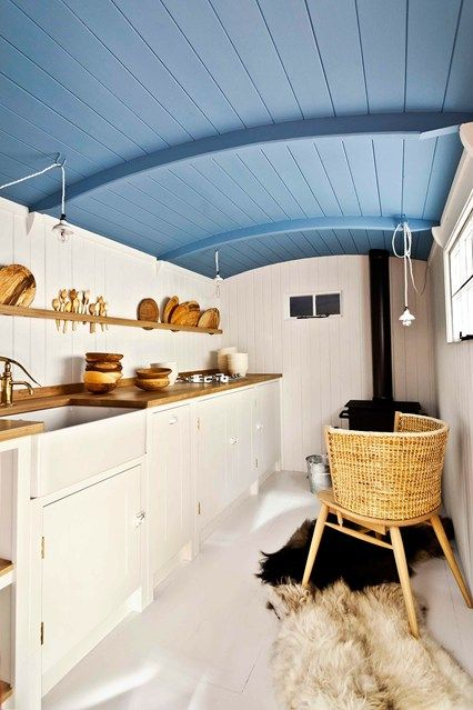 Discover small kitchen design ideas on HOUSE - design, food and travel by House & Garden. What these small kitchens lack in space, they make up for in style.