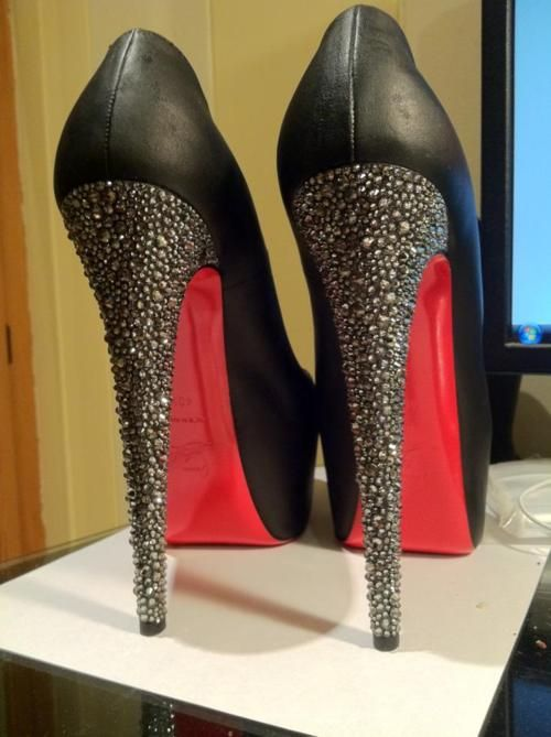 b443e2d7397 buy lou boutins christian louboutin red bottoms wear off
