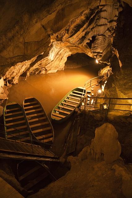 Remouchamps Grottes (underground river) - Belgium