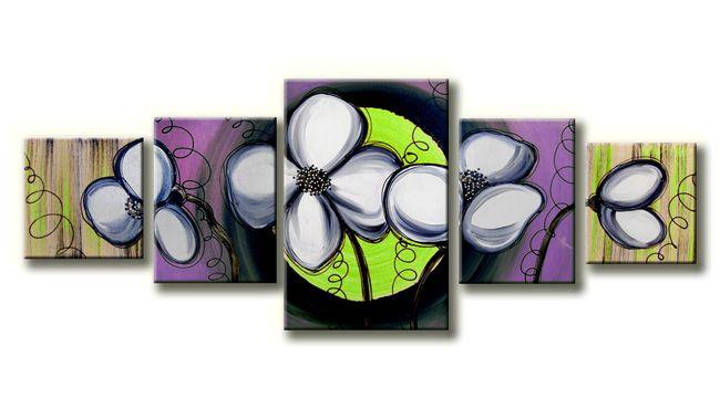 Een kunstschilderij gemaakt op canvasdoek.Als afbeelding heeft de kunstschilder gekozen voor abstracte bloemen in een gebroken witte kleur