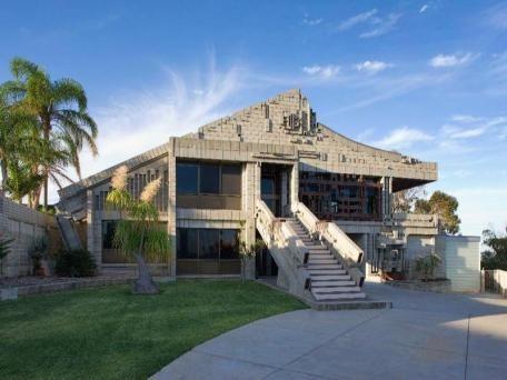 "Sold Listing for 38 Sycamore Rise Dianella WA 6059 - ""Disco House"""