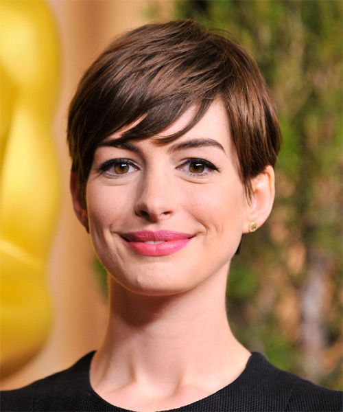 Anne Hathaway Short Straight Casual Pixie Hairstyle With