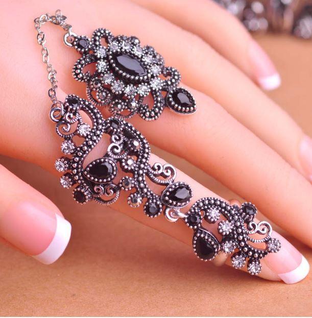 Luxusní vintage propojené prsteny ve tvaru květin se zirkony – černé – SLEVA 70 % + POŠTOVNÉ ZDARMA Na tento produkt se vztahuje nejen zajímavá sleva, ale také poštovné zdarma! Využij této výhodné nabídky a …