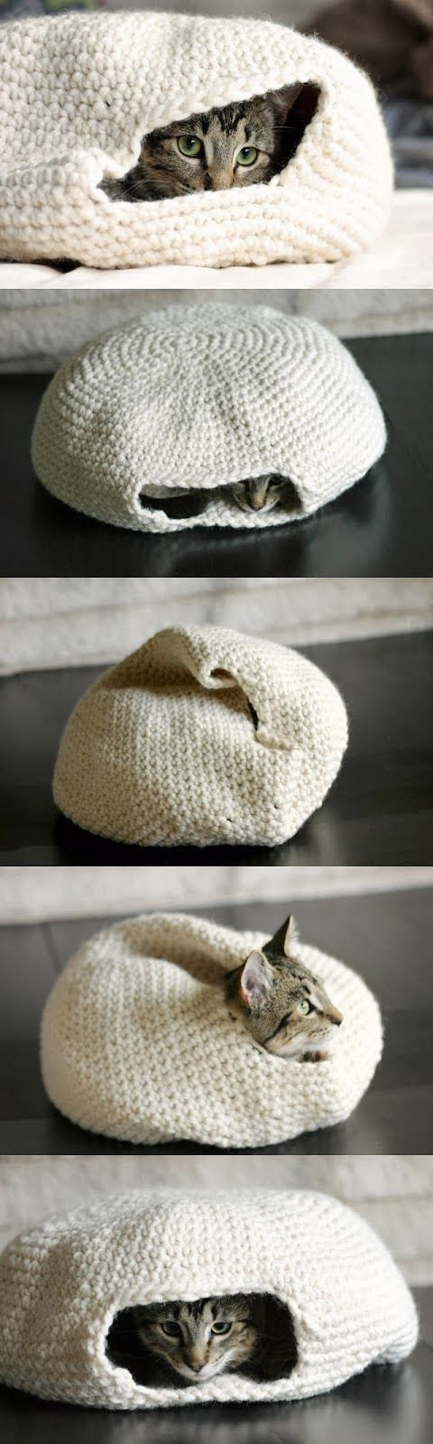 How to Make a Handmade Crochet Cat Bed. Very Cheap and Easy to Make!!<<<I should do this for my cat!!!