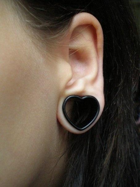 Black heart tunnel #piercing #plugs #bodyjewelry