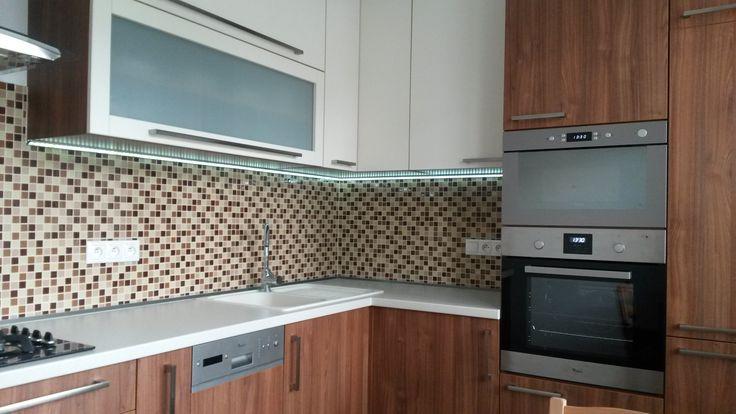 Kuchynská linka drevodekor
