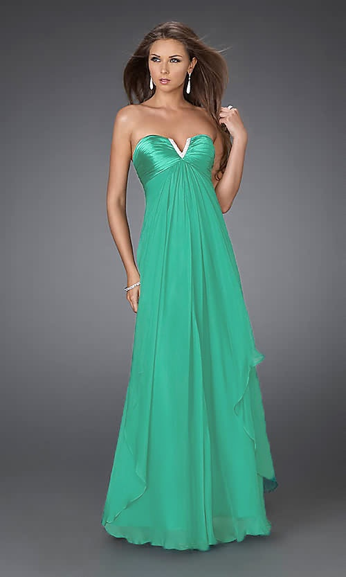 Gasa Strapless Cascada Imperio... nothing to wear it to... maybe I can go to junior prom again! lol