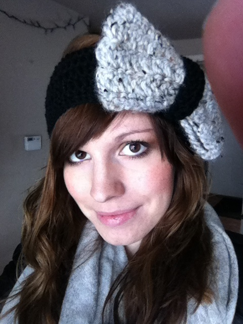 Bow ear muff head band. Crochet Love in every stitch Pinterest ...