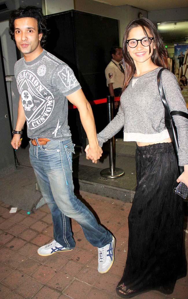 Aamir Ali and Sanjeeda Sheikh at the screening of 'Jai Ho' #Style #Bollywood #Fashion #Beauty