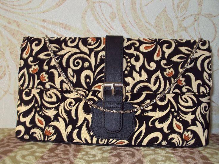 Clutch Kulit sintetis Batik print  http://3.bp.blogspot.com/-7jbm_MKlKG8/VFsbow4oqII/AAAAAAAAAE8/otTzlDyLQMA/s1600/Clutch%2BBatik%2BHitam.jpg