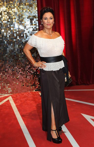 Jessie Wallace Clothes
