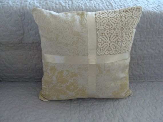 Decorative Pillow Cover with Lace, Fine Colar, Vintage, Elegant, Unique Model, Modern, Handmade, Modern Design, Livingroom or Bedroom Pillow