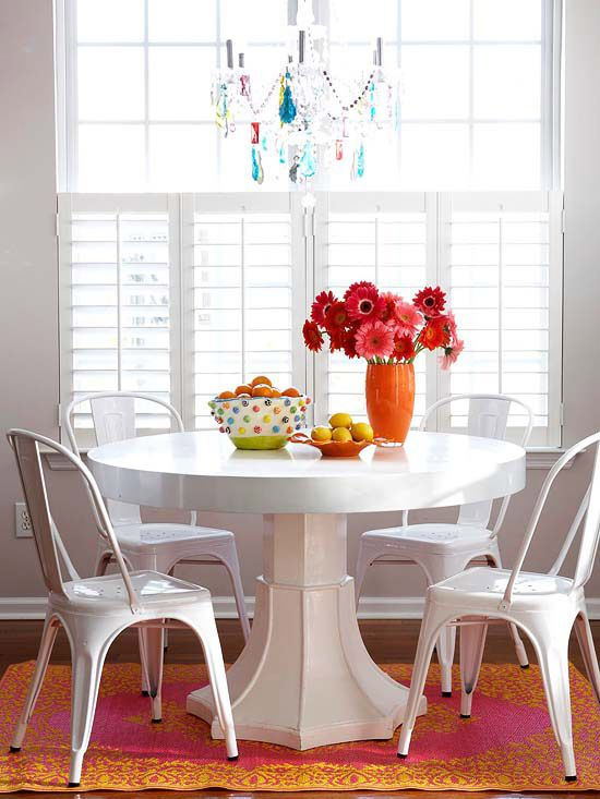 It's so important to have everyone at the table for a meal, and I love how this round table allows for an extra seat in case you have a surprise guest!:  Boards, Dining Rooms, Breakfast Rooms, Dining Area, Decor Ideas, Lights Fixtures, Rooms Ideas, Small Spaces, Dining Tables