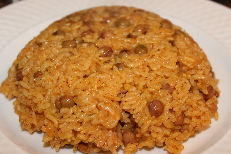 This moro de guandules rice cooker recipe is an easier alternative to the traditional Dominican cooking method that yields the same results in flavor and texture (minus the concón).  At home, we eat rice almost every day. White rice is my one guil