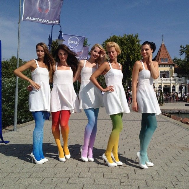 #summer #fashion #ombretights #virivee #gradient #tights #colors #legs #prettygirls #pretty #sun #nofilter #ombre #pantyhose