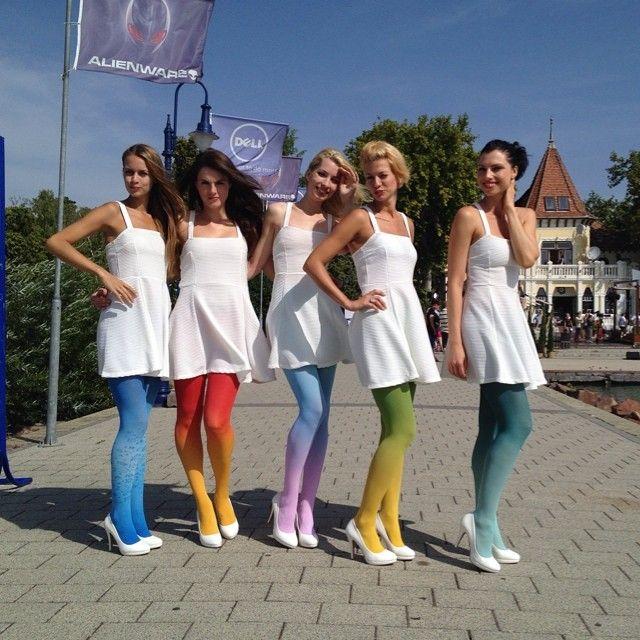 #summer #fashion #ombretights #virivee #gradient #tights #colors #legs #prettygirls #pretty #sun #nofilter #ombre #pantyhose