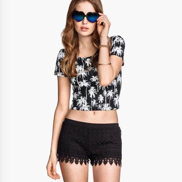 Black shorts Size medium. Fits size 6-8 Divided Dresses