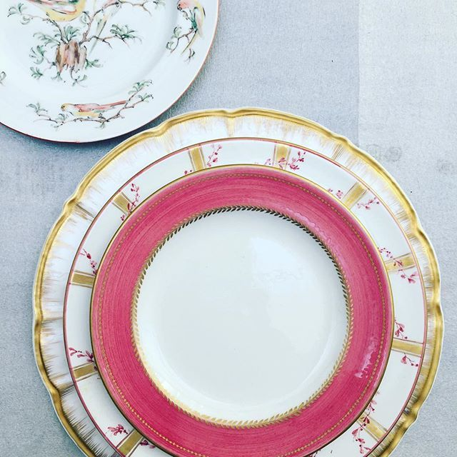 Laboratorio Paravicini Via Nerino 8, Milano. www.paravicini.it    Choose your set  ! Gold and pink #handpainted #handcrafted