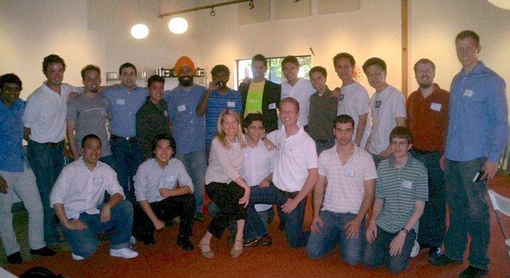 Reddit Co-Founder Steve Huffman In For Reddit CEO Job, Pao Out - http://www.baindaily.com/reddit-co-founder-steve-huffman-in-for-reddit-ceo-job-pao-out/