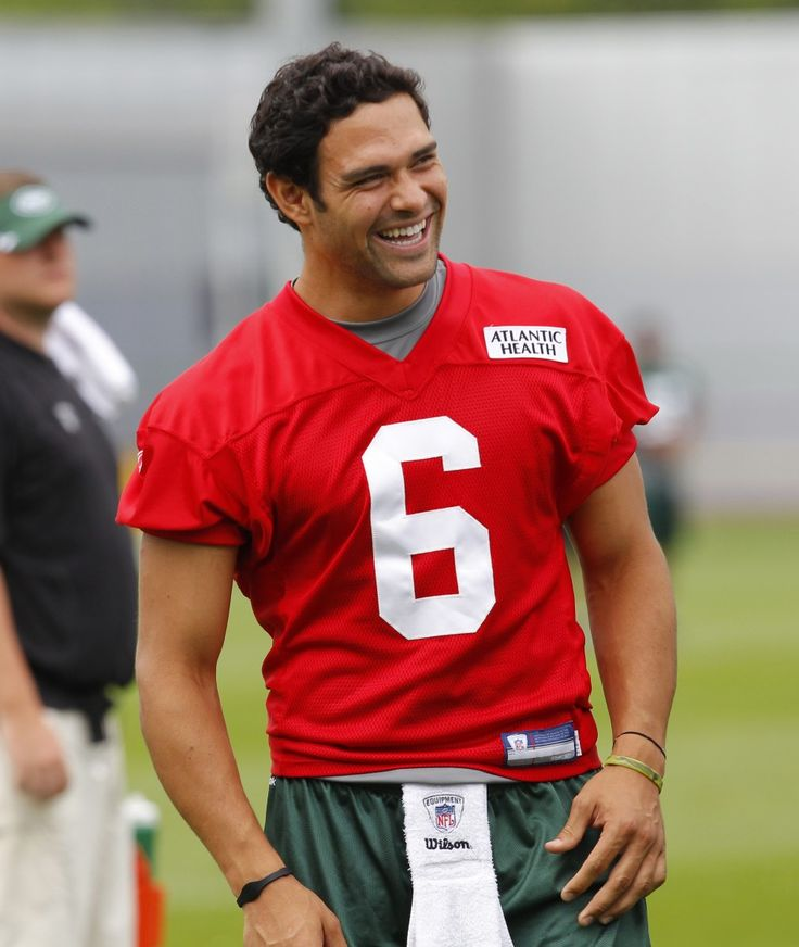 Mark Sanchez, once upon a time Jets quarterback now he is leading the Eagles tp the 2015 SuperBowl #FlyEaglesFly