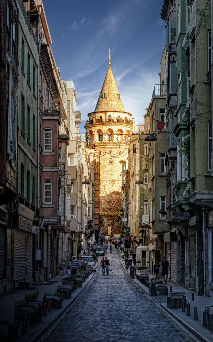 You've got to love the city of Istanbul. Beautiful architecture - modern and classic. Check out 27 reasons Istanbul is the best city on Earth. For more information about Turkey follow @turkeyhome or visit www.HomeTurkey.com