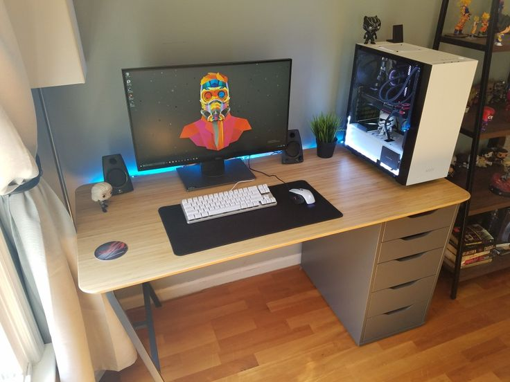 20462 best gaming desks images on pinterest playrooms for Small room 7 1 setup
