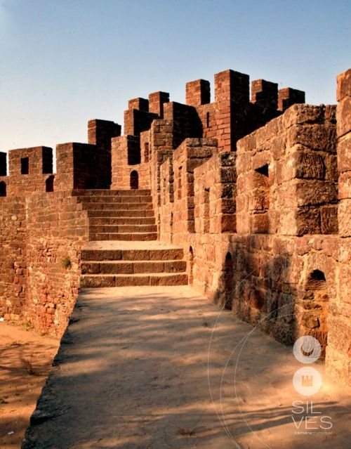 Medieval Castle and walls of Silves, Portugal #PORTUGALmilenar