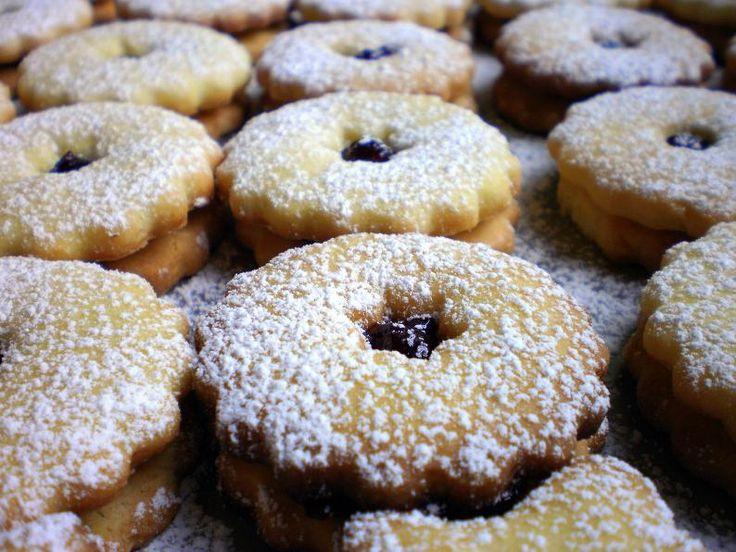 Linecké koláčiky s vanilkovým pudingom
