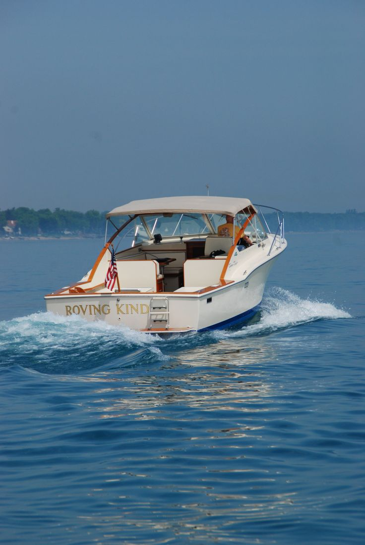 30 39 chris craft commander sportsman owned by my friend don for Classic chris craft boats