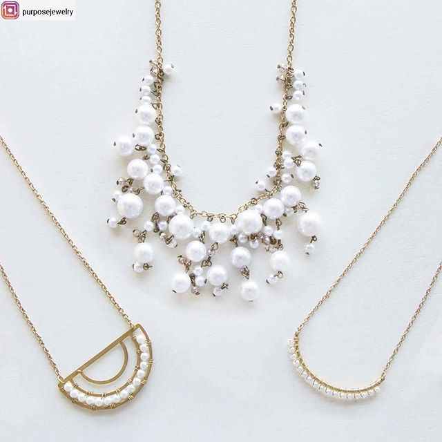 Are these pearl necklaces not bride perfection! Perfect for showers or giving your rehearsal dinner outfit a touch of modern femininity! . . { From @purposejewelry } . . . . .  #pearlnecklaces #handcrafted #purchasewithpurpose wear freedom #easterjewelry