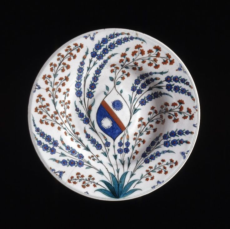 dish; Ottoman dynasty; 1570-1600; Iznik